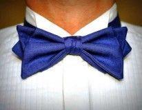 синя краватка-метелик