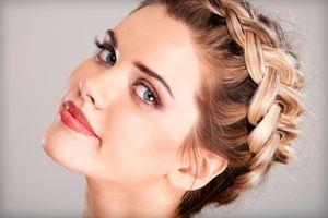 Як зробити легку і красиву зачіску на кожен день