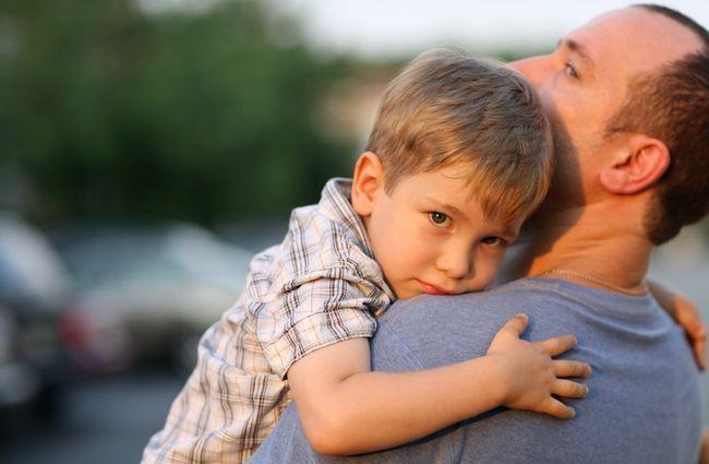дитина з батьком