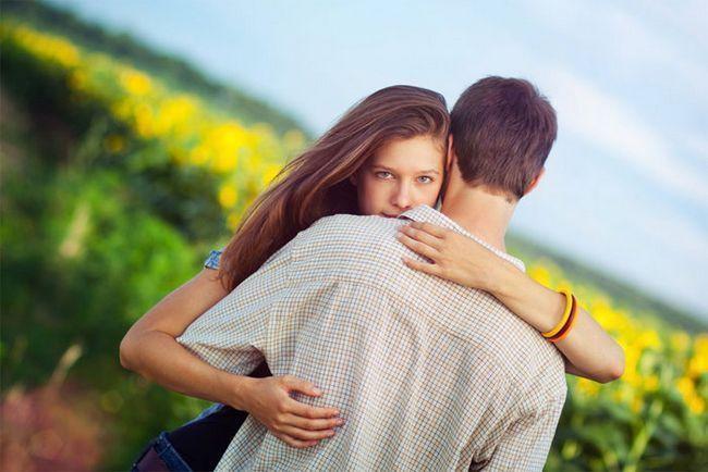 Як дізнатися, чи любить чоловік