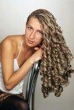 зачіска тугі спіральки