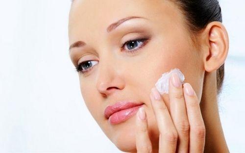 Косметика для сухої шкіри обличчя (професійна, лікувальна, декоративна): як правильно вибрати