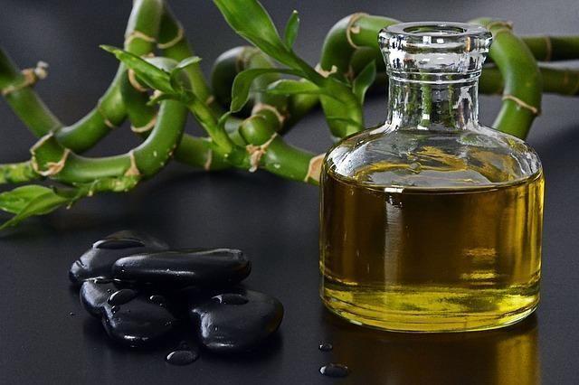 Красиве фото лляної олії
