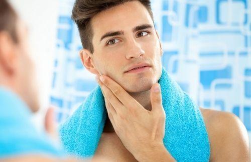 Чоловіча косметика для особи: не варто обмежуватися тільки засобами для гоління