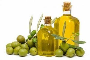 Оливкова олія особа позбавить від сухості і лущення