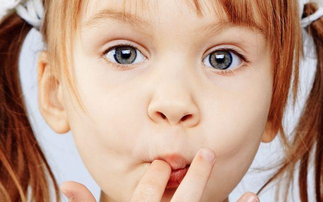 Патологічні звички у дітей: яктація, онанізм, кусання нігтів і вищипування волосся