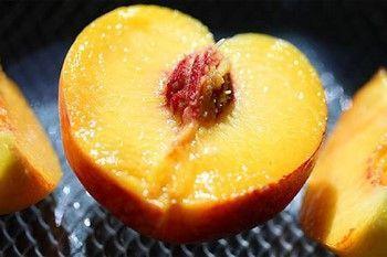 Маски з персиків для особи в домашніх умовах
