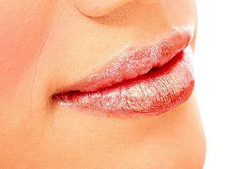 Поцілунок взасос - що потрібно про нього знати?