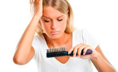 Причини і лікування випадіння волосся у жінок