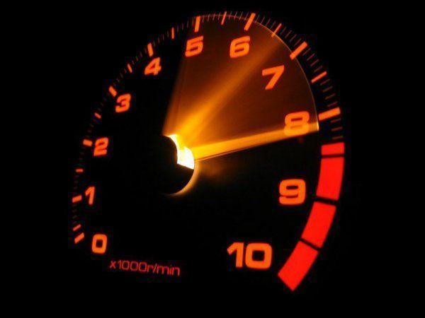 Спідометр - явний символ постійного руху і швидкості