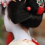 Зачіска гейші і раніше популярна