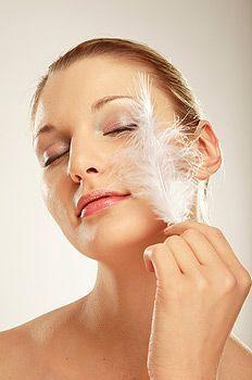 Секрети догляду за чутливою шкірою