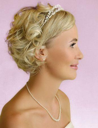 весільні зачіски на коротке волосся
