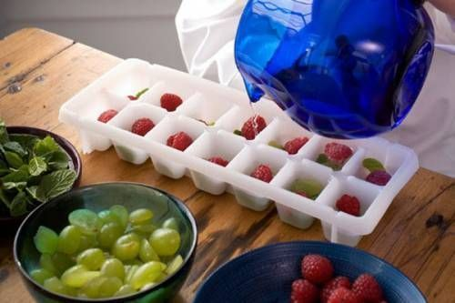 Приготування косметичного льоду з фруктами