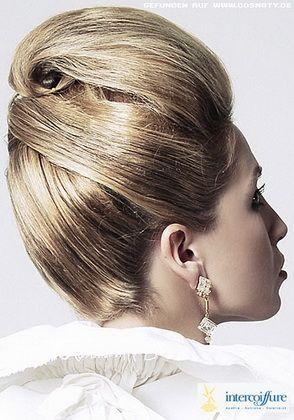 Укладання довгого волосся